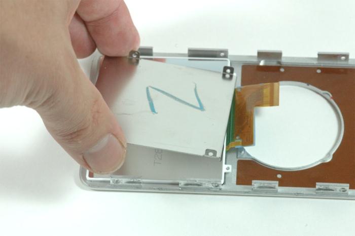 Металлическая пластина в iPod nano
