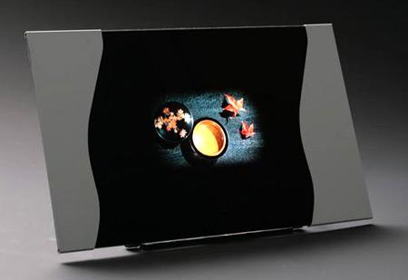 Специалисты Epson увеличили долговечность панелей OLED