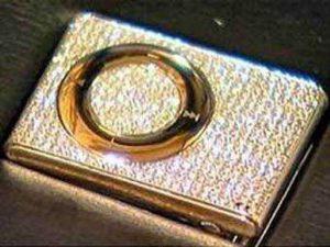 Украшенный алмазами iPod выставляют на аукцион в Лондоне